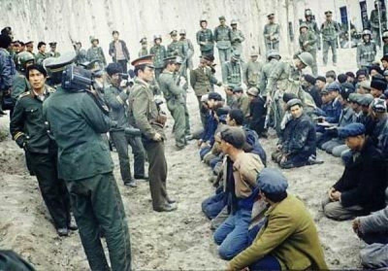 Uygur Mahkumların resimleri ile ilgili görsel sonucu